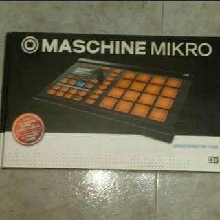 Native Instrument Maschine Mikro Music Production Unit