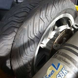 Set of 6 month old Michellin  Tyre inc Rim