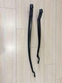 Toyota Prius C wiper arm
