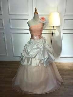Nice wedding gown