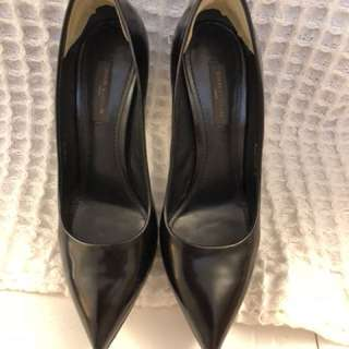 Louis Vuitton black leather ladies shoes size 37