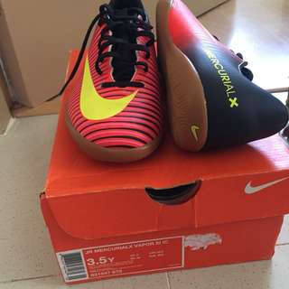 Name your price nike futsal shoes unisex