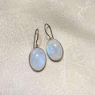 925silver Natural Moonstone earrings (天然月亮石)