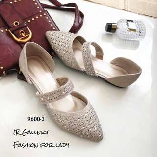 Chic flat glitter shoes