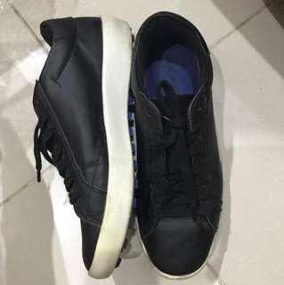 Sepatu by ZARA