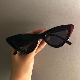 Black Sunnies 01