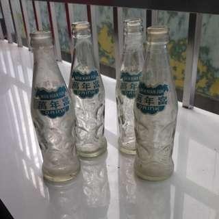 🚚 早期萬年富汽水瓶×4支