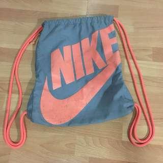 NIKE Heritage Drawstring Bag/Gymsack in Orange and Gray