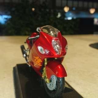 SUZUKI HAYABUSA GSX1300R toy figurine diecast model Welly 1:18