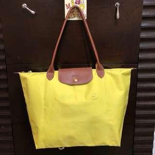 🚚 二手Longchamp亮黃肩背M包包
