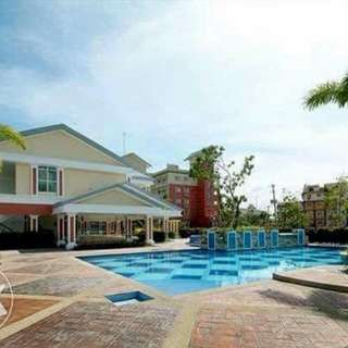 For rent/sale Semi furnished/unfurnished 2BR Condominium in Taguig