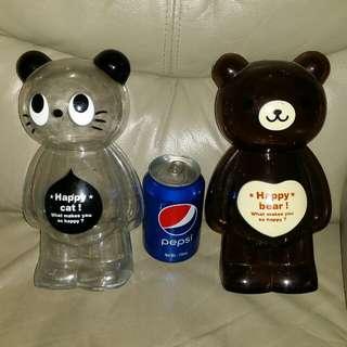 Happy bear, Happy cat 膠錢箱兩個,What makes you happy. Trade in Tuen.Mun. 屯門交收,或郵寄25$