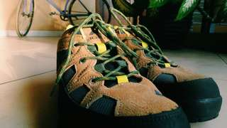 Sepatu Outdoor Eiger Natoas Brown - Green