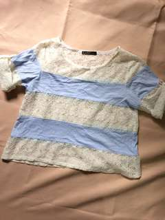 Blue and white laced cropped tee