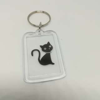 Double face black cat look u keychain