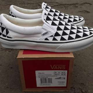 Vans slipon holam triangel