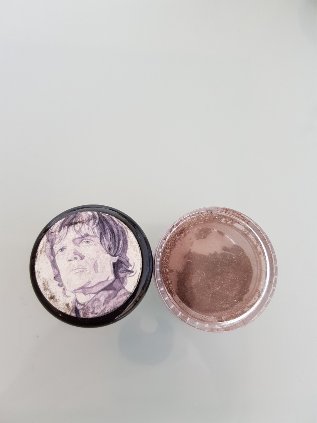 2 Shiro loose eyeshadows
