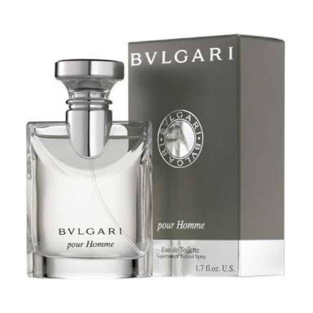 Ada yg minat parfum ori batam, & botol seperti ori, wangi juga hampir sama, tp gk spt ori tahannya 3 ~ 5 jam jg tahan, yang mau pesen boleh apa saja, sabtu depan ready😎 bisa cod, kirim dan gosend,