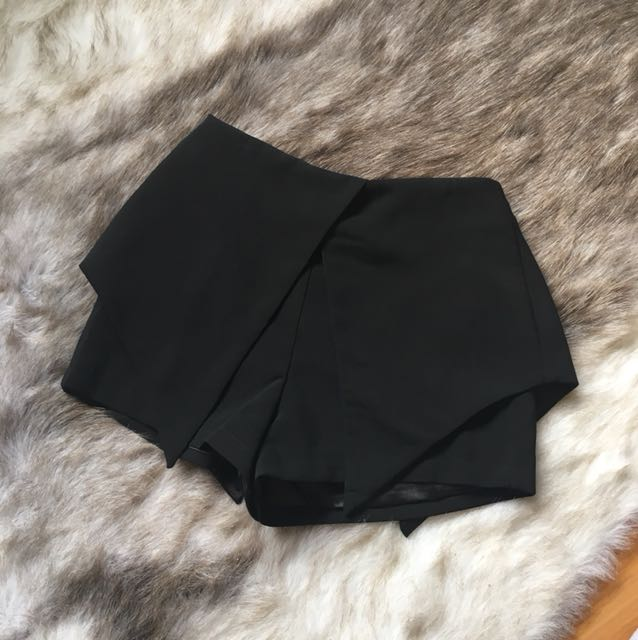 Black overlay tailored shorts