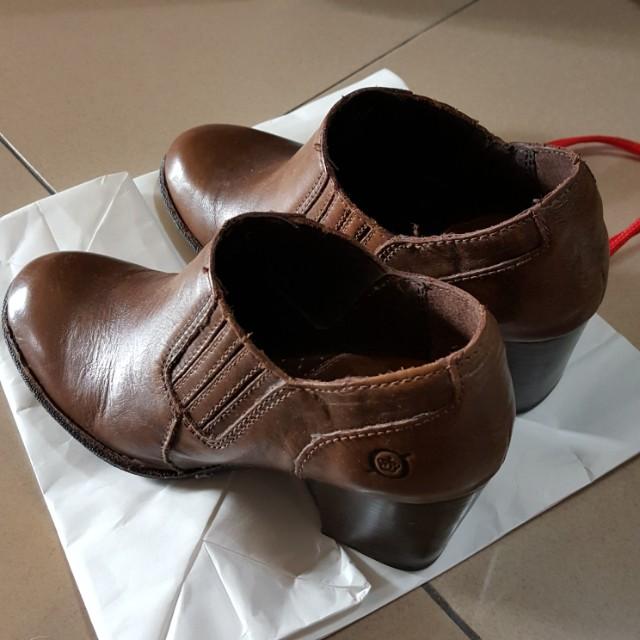 Born 駝色高跟裸靴
