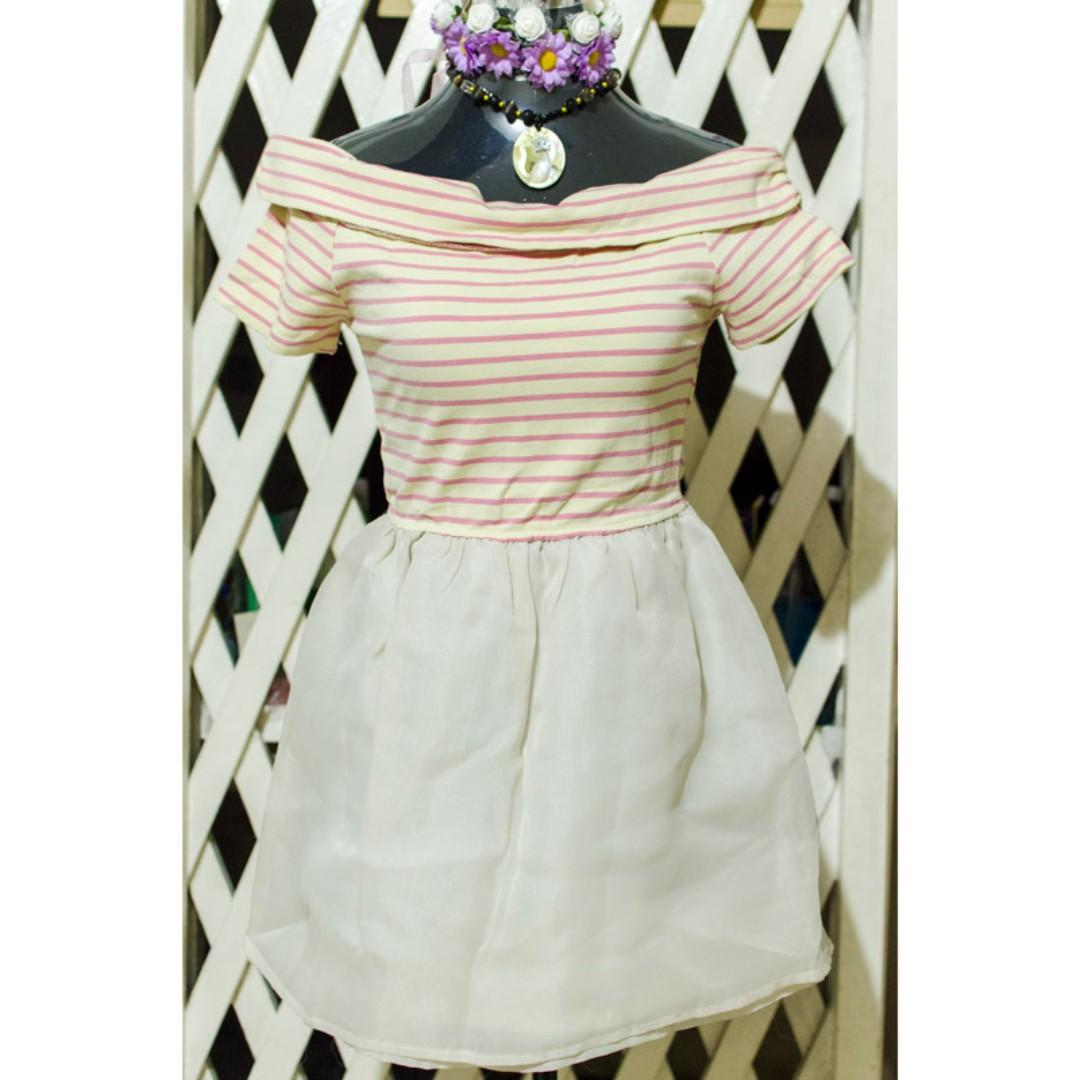 Candy off-shoulder Dress