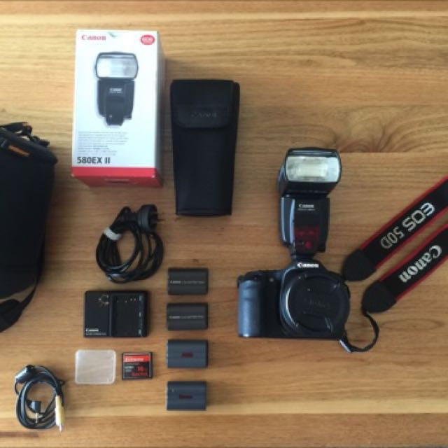 Canon  EOS 50D 15.1 MP Digital SLR Camera - Black (Kit w/ SIGAMA lens)