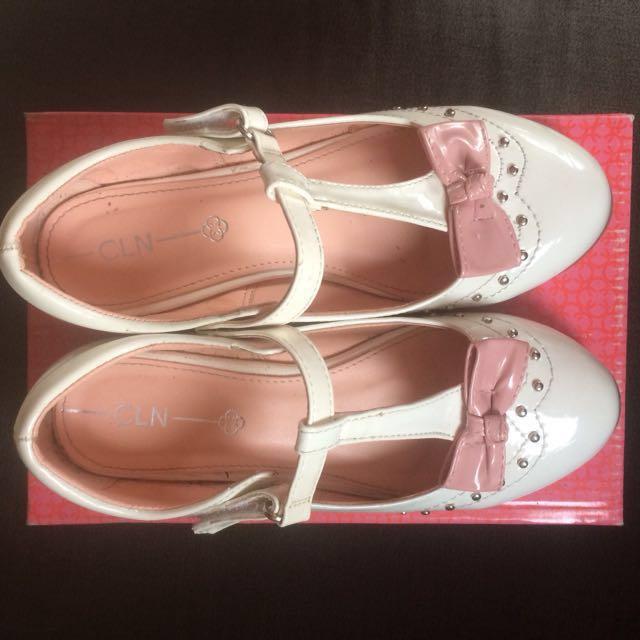 CLN Chelsea (White Shoes)