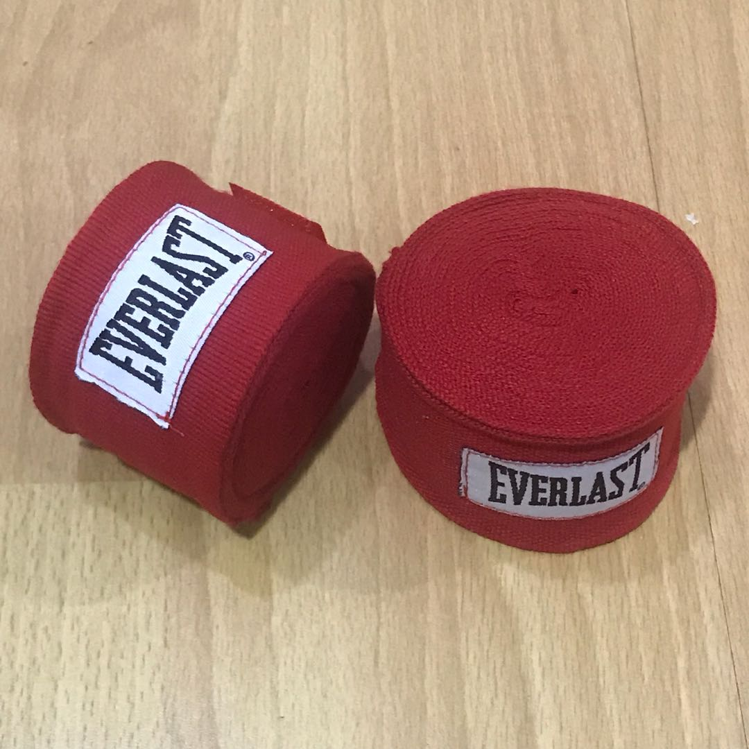 Everlast boxing muay thai stretchable hand wraps 5m red