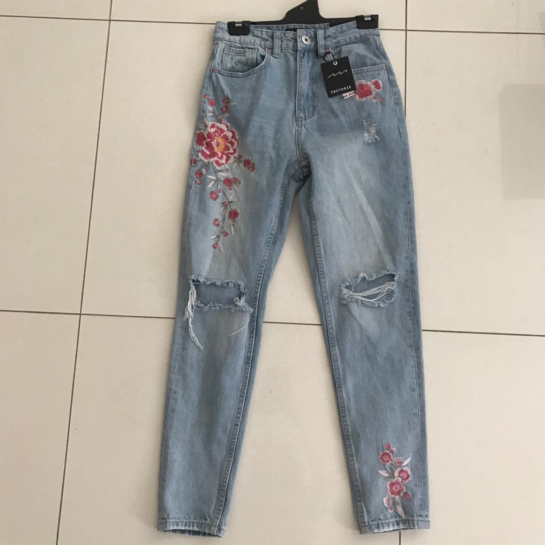 Factorie Tapered Slim Fit 90s Mom Jeans with Floral Embroidery