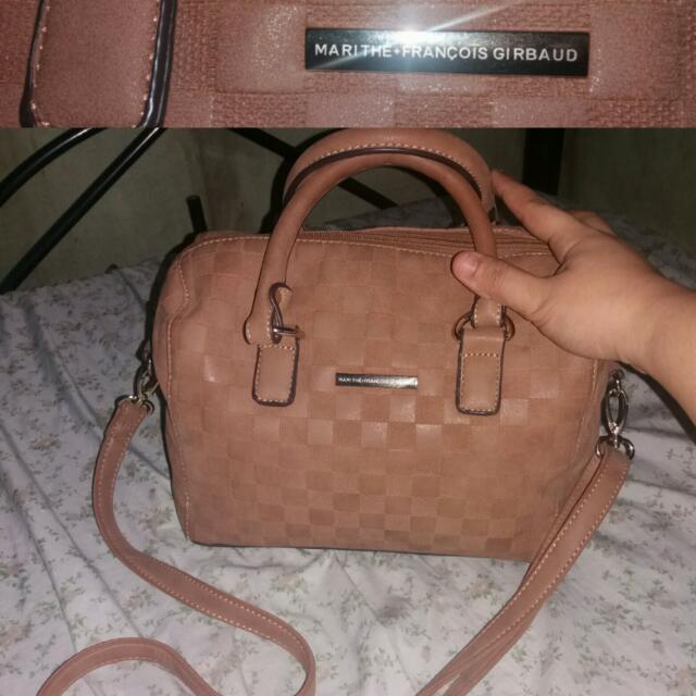 Girbaud Hand/slingbag (authentic)