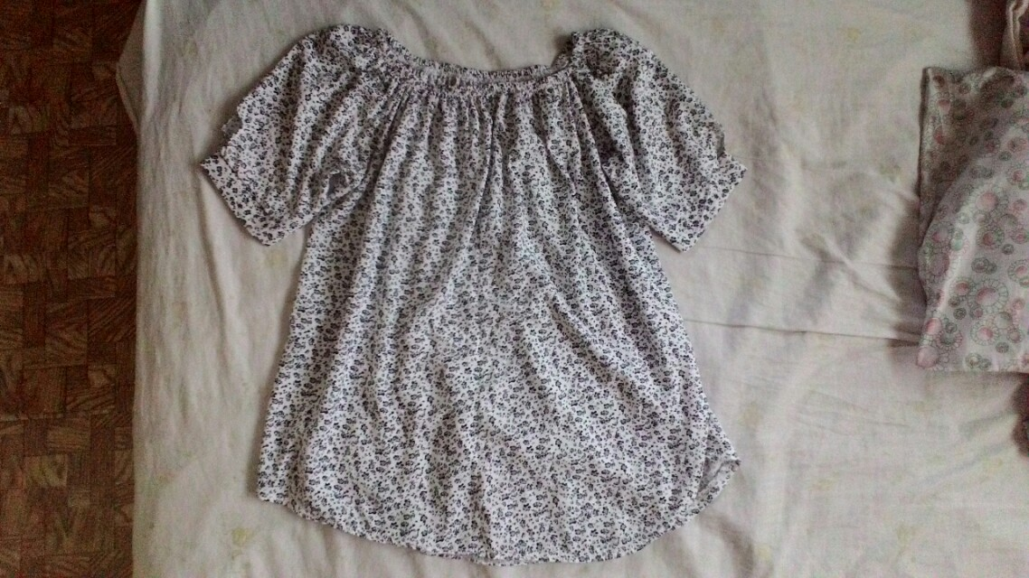 Long blouse off-shoulder