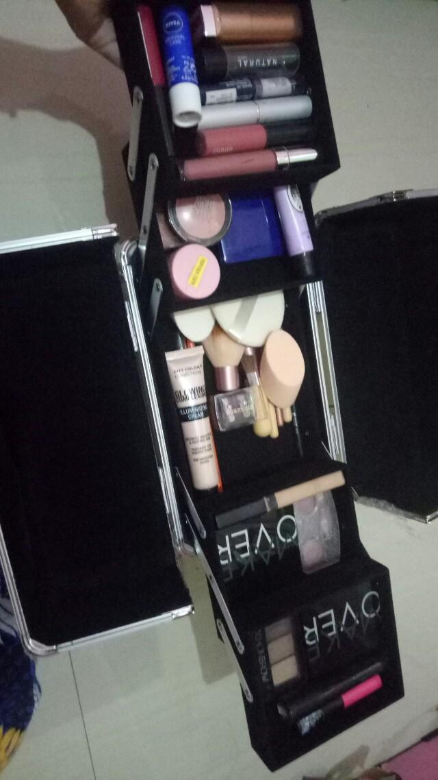 Makeup wisuda dll.