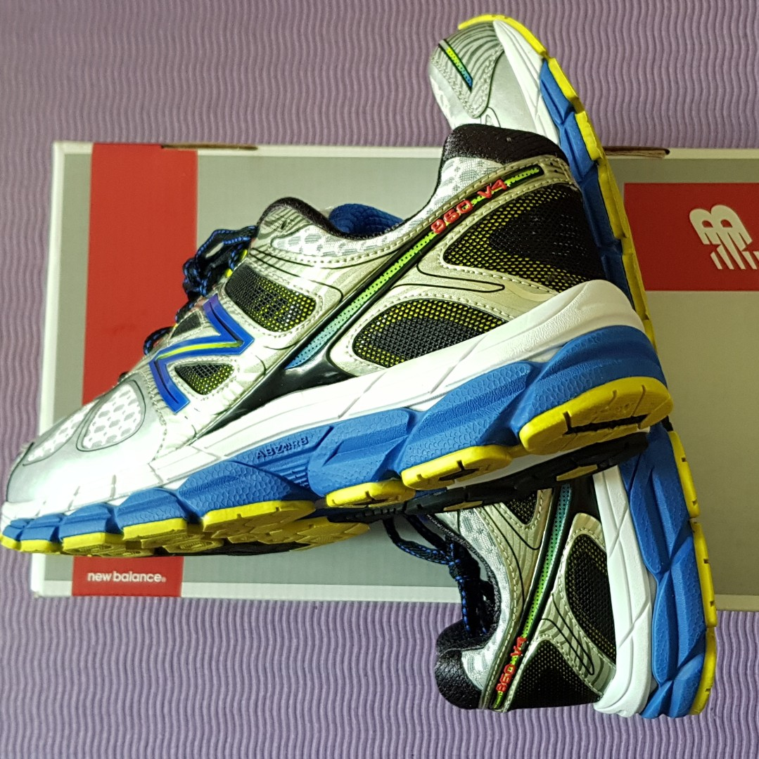 94934652fff New Balance 860 v4 Cushioned Running Shoes Mens US9.5 (2E) Wide