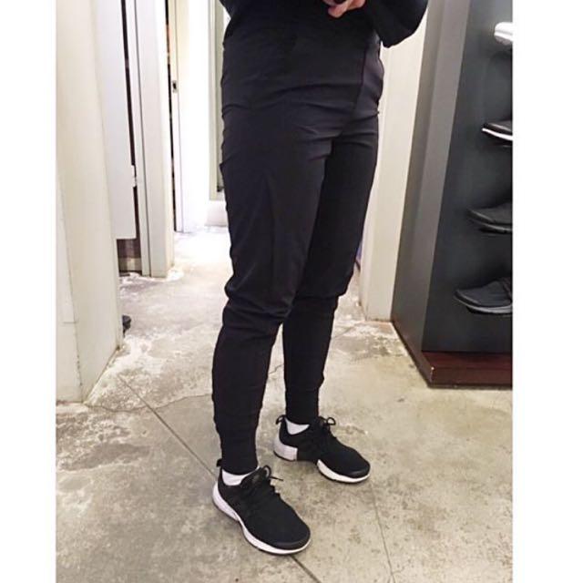 Nike 尼龍彈性纖維 縮口訓練長褲
