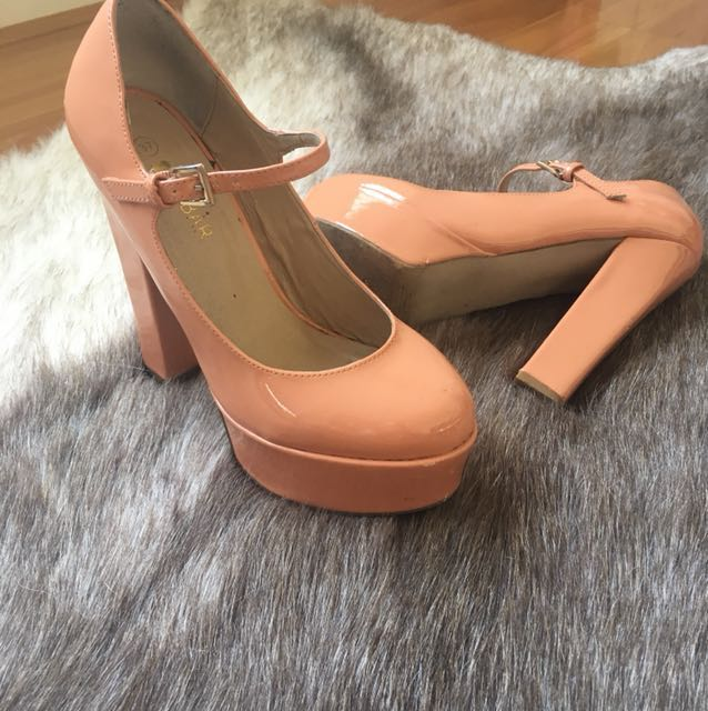 Peach Mary Jane heel size 6