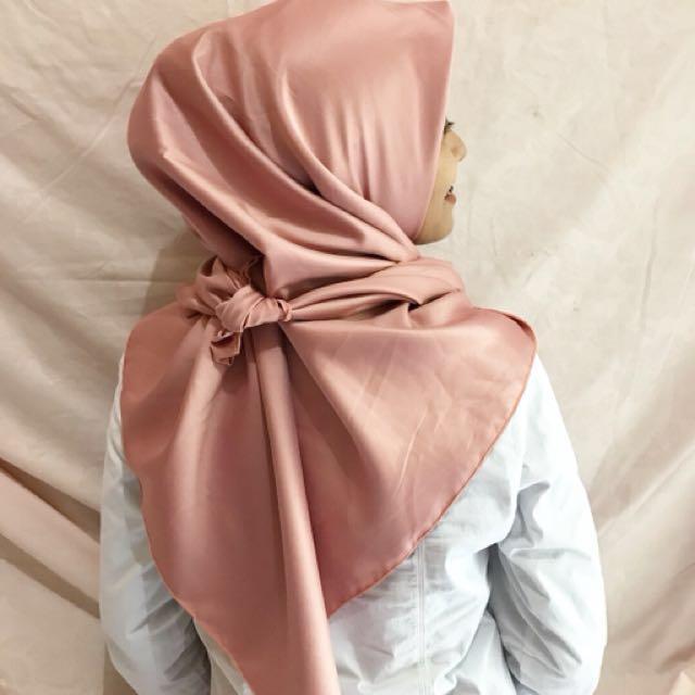 Pink Core Velvet (segi empat)
