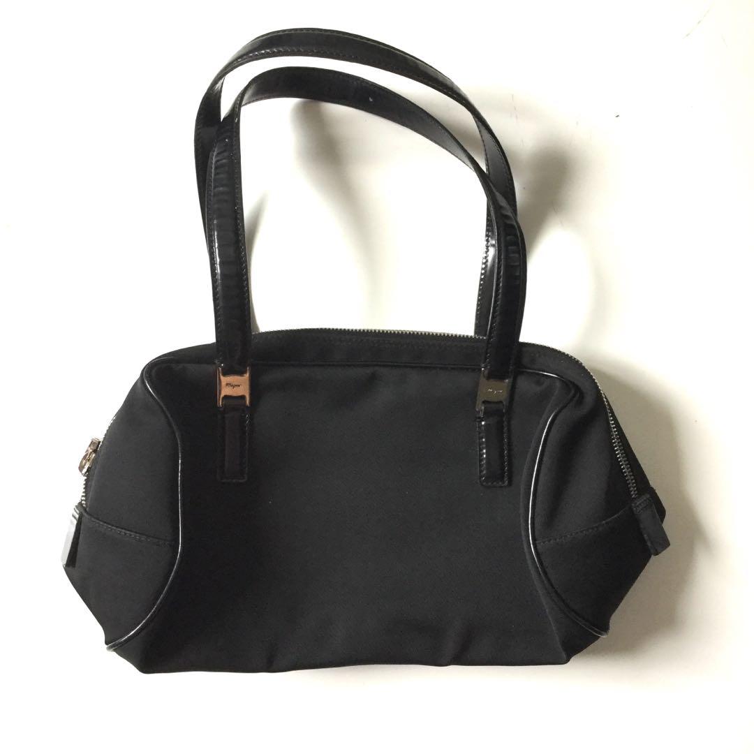 PLOVED: Authentic Salvatorre Ferragamo Shoulder Bag