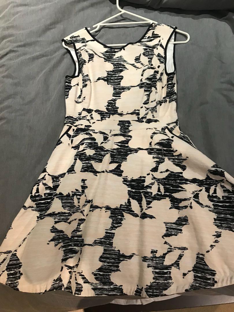 Portmans dress size 10