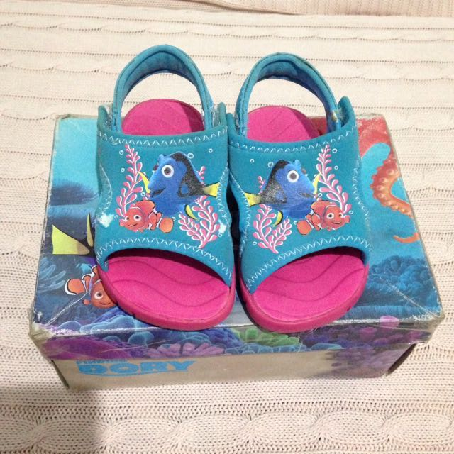 Sale!!!Payless Disney FINDING DORY Shoes