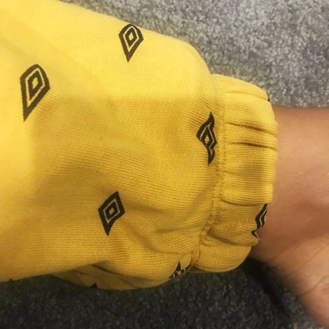 UMBRO yellow tracksuit pants and crop top set