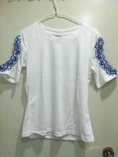 露膊T-shirt