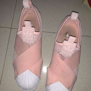 adidas slip on baby pink