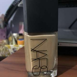 Authentic Nars Sheer glow foundation (santa fe)
