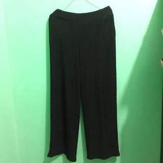pleated kulot hitam