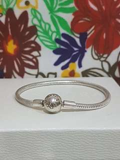 Pandora smooth bracelet 17 cm