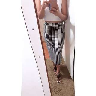 Bandage skirt striped black and white size S to L can used (I sale my stuff,not my body!!! If got people PM me out of topic,I will report u)