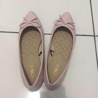 New VNC flatshoes