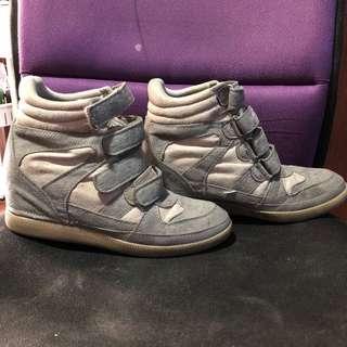 Sneakers with Hidden Wedge
