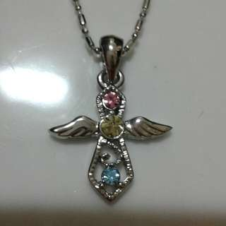 Angel color diamond pendant with necklance