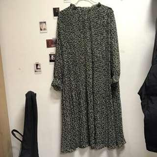🚚 清新綠色百摺洋裝
